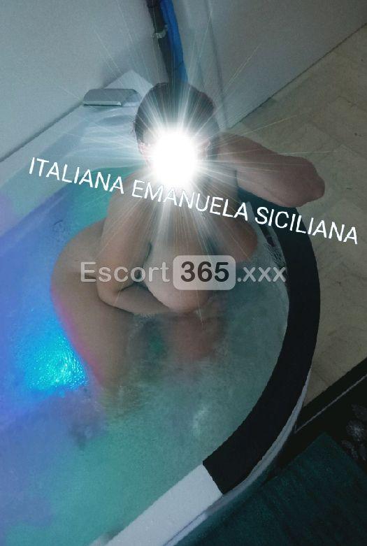 Emanuela Siciliana, Escort Milano