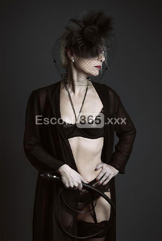 Mistress Lily DuPont, Mistress Milano